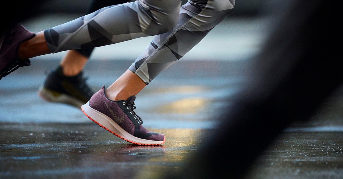 Vandtæt løbeudstyr - Hold dig tør på løbeturen med Nike